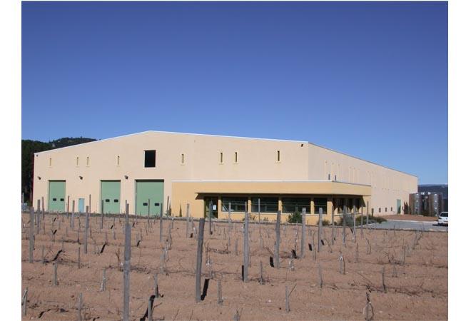 Création cave vinicole groupe Castel AOC Côtes de Provence bâtiment Ingénierie vinicole INGEVIN